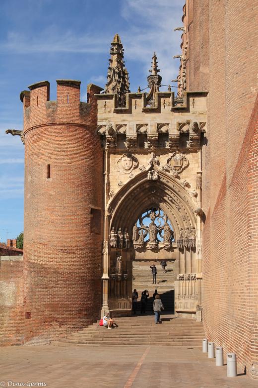 """Cathédrale Sainte-Cécile... - ......Entrée<br /> <br /> Bedankt voor het kijken en de reacties op <a href=""""http://zoom.nl/foto/2185826/architectuur/"""
