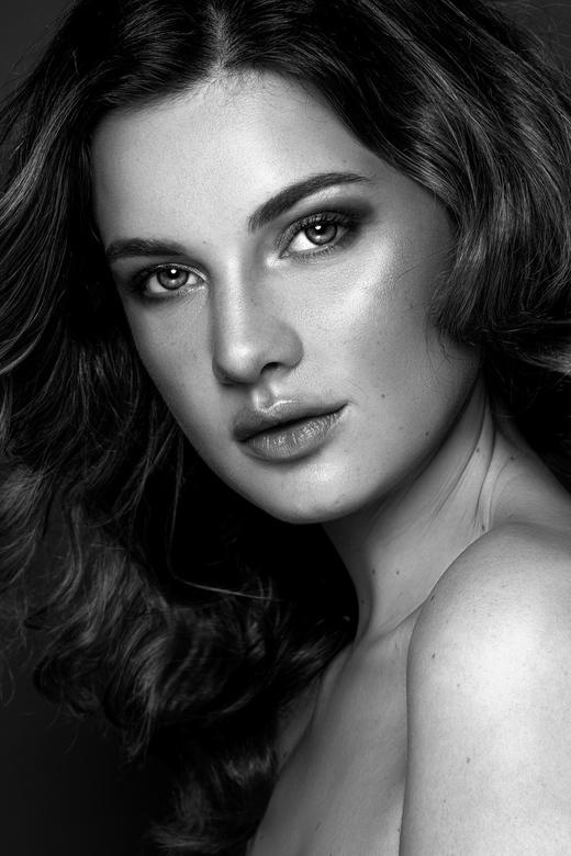 Mirthe - Model: Mirthe<br /> MUAH: Celine Haring visagie<br /> Fotografie: Stephanie Verhart