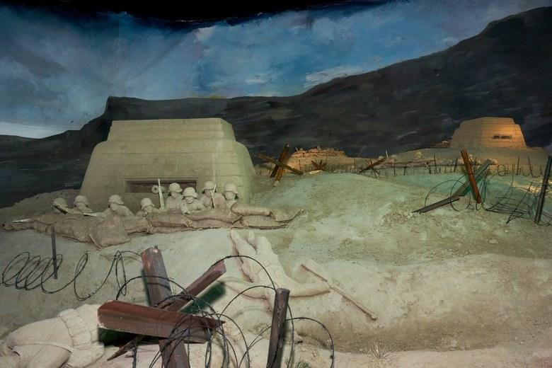 Zandsculpturen Garderen (3) - Thema 75 jaar bevrijding.<br /> Zowel binnen als buiten prachtig gemaakte taferelen. Van mobilisatie tot bevrijding en