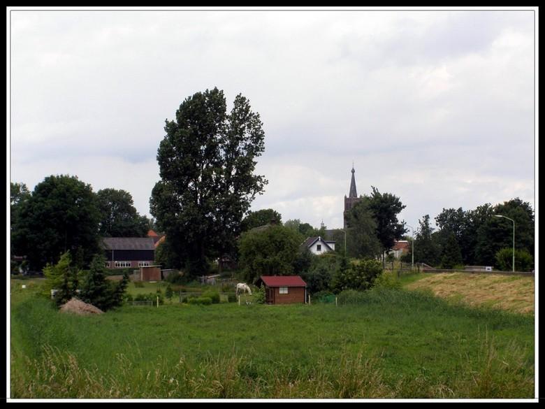 ZOMAAR EEN DORPJE - Het dorp HANK in Noord Brabant. <br /> (Gemeente Werkendam)