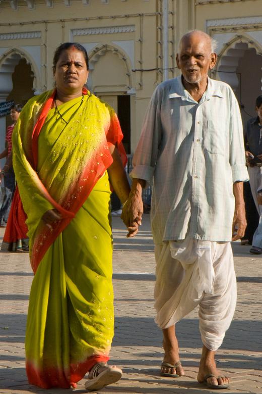 Oude liefde roest niet - In India zie je helemaal niet zoveel openlijke genegenheid; dus vond dit wel een leuk moment.