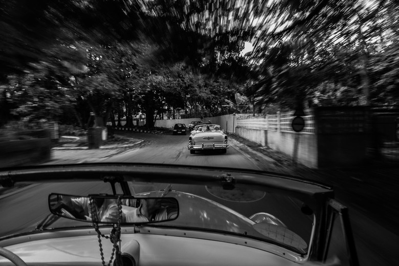 Oldtimer in Havana - De beweging van de oldtimers in Havana, Cuba.