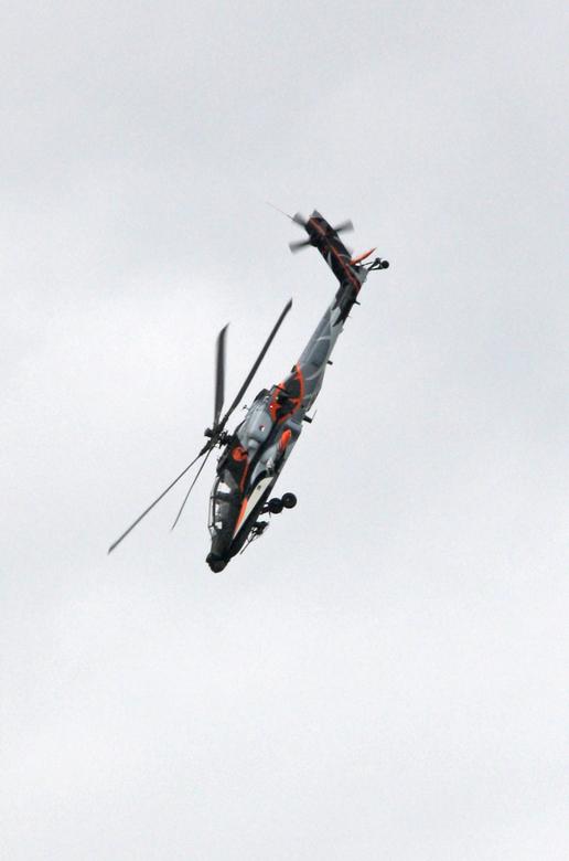 Boeing AH-64 Apache - Open dagen Koninklijke Luchtmacht 2014, vliegbasis Gilze Rijen.