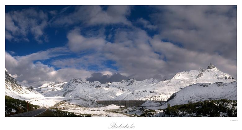Bielerhöhe - Op het hoogste punt van de Silvrettapas ligt Bielerhöhe. Met een groot stuwmeer. Wordt in de winter aan gelanglaufen gedaan. De pas wordt