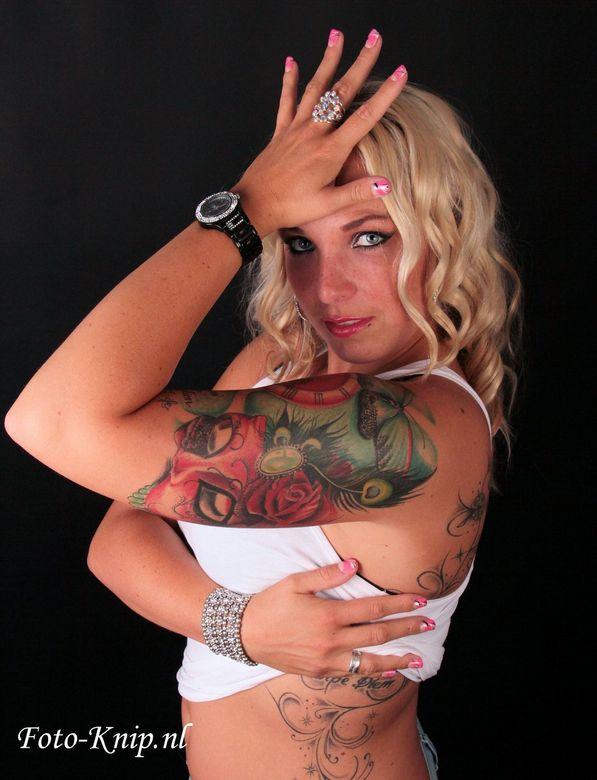 Tattoo girl - Tattoo girl