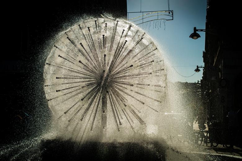 Quiet Fountain - Op reis eens de sluitertijdoefening gedaan met de fontein.