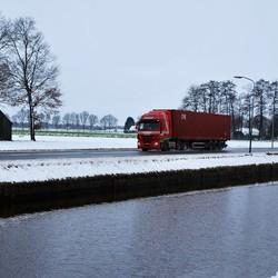 Truck langs de Lutter Hoofdwijk