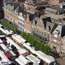 Bovenaanzicht grote markt Haarlem
