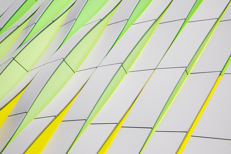 Zoomdag Groningen 3 - De derde foto van de zoomdag in Groningen is een staaltje moderne architectuur bij het UMCG in Groningen.<br /> <br /> Groet P