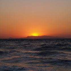 rhodos met zons ondergang