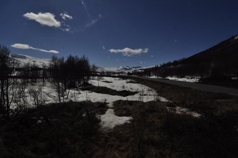 Beginnende lente en sneeuwsmelten - Beginnende lente en smeltende sneeuw