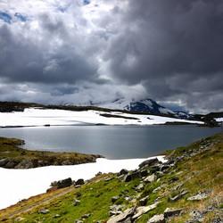 Ijsvelden in de Noorse zomer