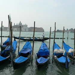 Gondola's in Venetie