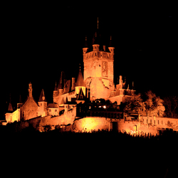 Cochem castle at night.jpg