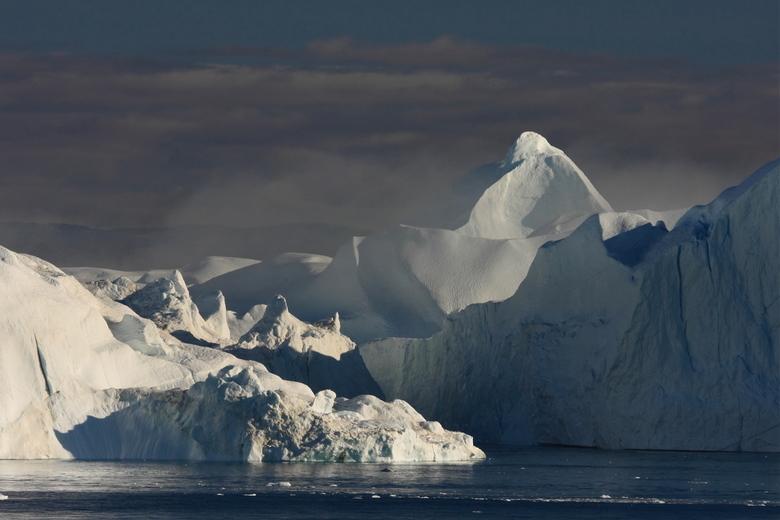 ijsbergen(Groenland - IJsbergen in Diskobaai Groenland, wat een overweldigende natuur!