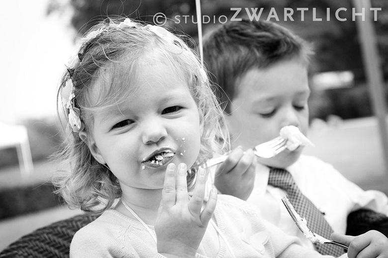 """Taart! - Heel belangrijk bij een bruiloft  <img  src=""""/images/smileys/smile.png""""/>"""