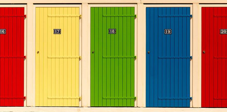Welke deur welke wereld? - Achter elke deur een eigen wereld, wie weet.