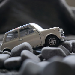 Mini on the rocks