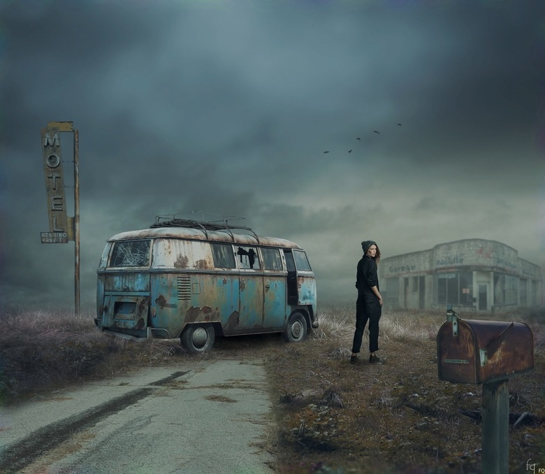 Desolate - Compositie van 8 verschillende foto's, nabewerking in photoshop.
