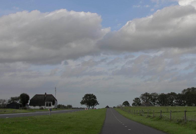 De IJsseldijk nabij Nieuw Rande te Deventer - De IJsseldijk nabij Nieuw Rande is gelegen temidden van een geweldig mooi rivierenlandschap tussen Deven