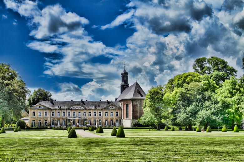 Chateau st. Gerlach - Krachtige foto in een contrastrijke  omgevindg. Gashendels staan flink open bij deze.