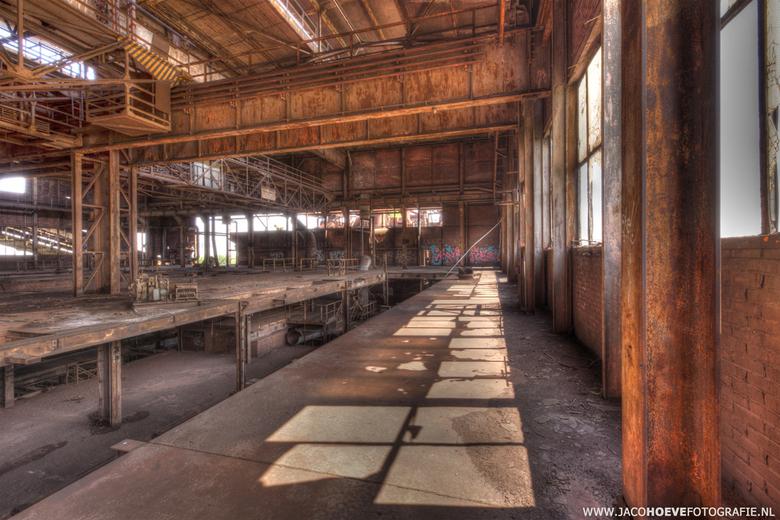 Verlaten oude staalfabriek (6) - Genomen op 28 mei 2013.