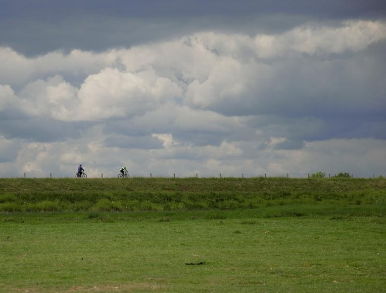Eenzame fietser - Individuele achtervolging op iets meer dan 1,5 mtr.