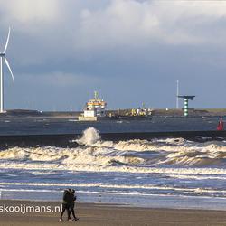 Windturbines op de kop van de Nieuwe Waterweg