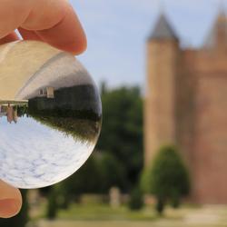 Door de glazen bol -- Slot Assumburg