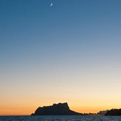 avondlicht met ster en maan.