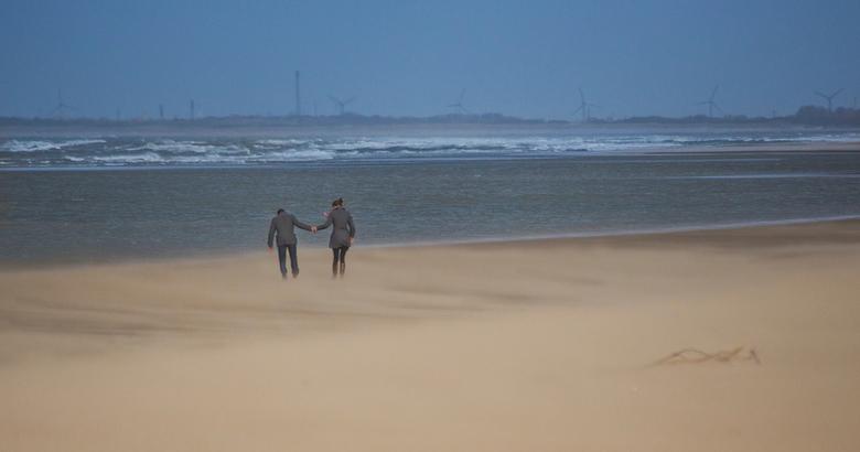 uitwaaien op het strand van Ouddorp... - Romantisch uitwaaien op het strand van Ouddorp met windkracht 8...