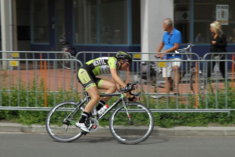 GoudenPijl Emmen - Dameswielerwedstrijd tijdens de Gouden Pijl in Emmen