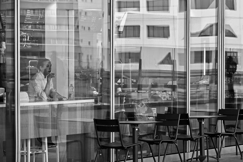 Take your time - Tijd voor een hapje met zicht op gebouw X