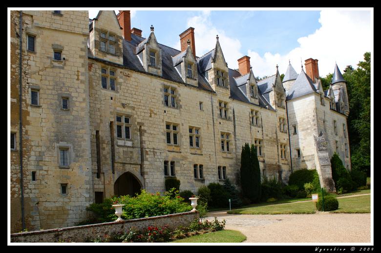 Chateau de Courtanvaux - Kasteel in ons vakantiedorpje in Frankrijk.