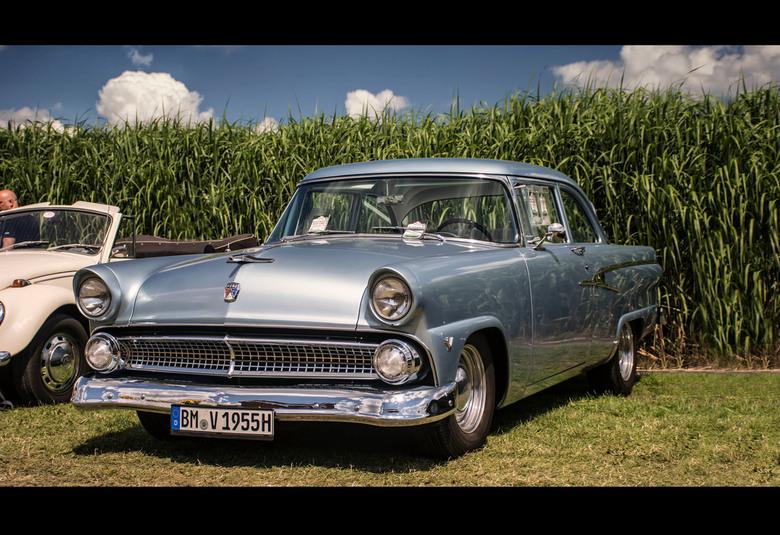 1955 Ford Customline V8 -