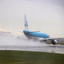 flying in the rain
