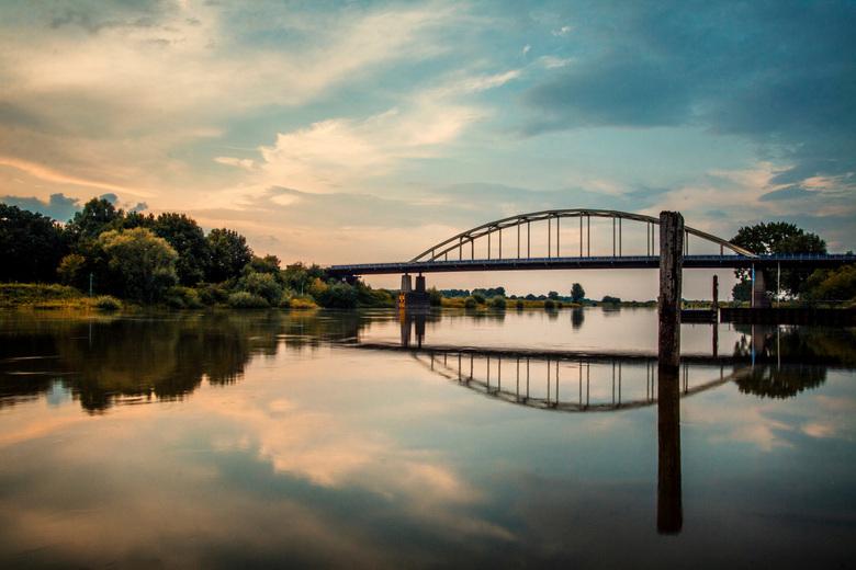 IJsselbrug Doesburg