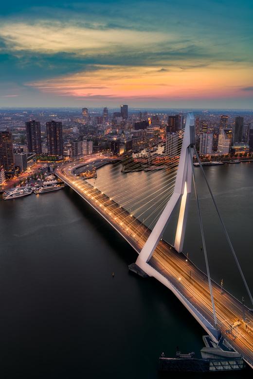 Rotterdam - Nederland - Prachtig uitzicht op de Erasmusbrug van 41 hoog