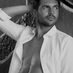 een mooie model in zwart wit