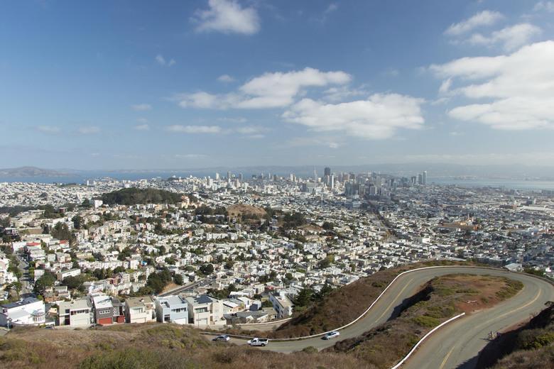 Be sure to wear flowers in your hair - Boven op Twin Peaks heb je prachtig uitzicht over de stad van San Francisco.