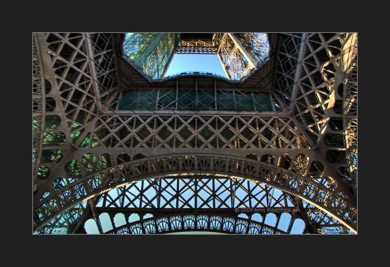 Parijs Tour Eiffel5 - Enkele foto&#039;s van deze massa metaal.<br /> <br /> Ik vind deze compo ook wel wat hebben.<br /> PS; De meeste Tour Eiffel