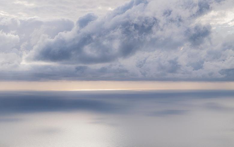 Zacht - Ergens voor de kust van Cinque Terre, Italië.