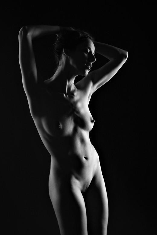Juliya (low key) -