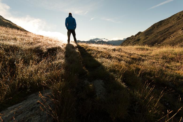 Morning Sunrise - Tijdens een trektocht heb ik mijn wekker extra vroeg gezet zodat ik genoeg tijd had om naar de top van de berg te kunnen lopen om de