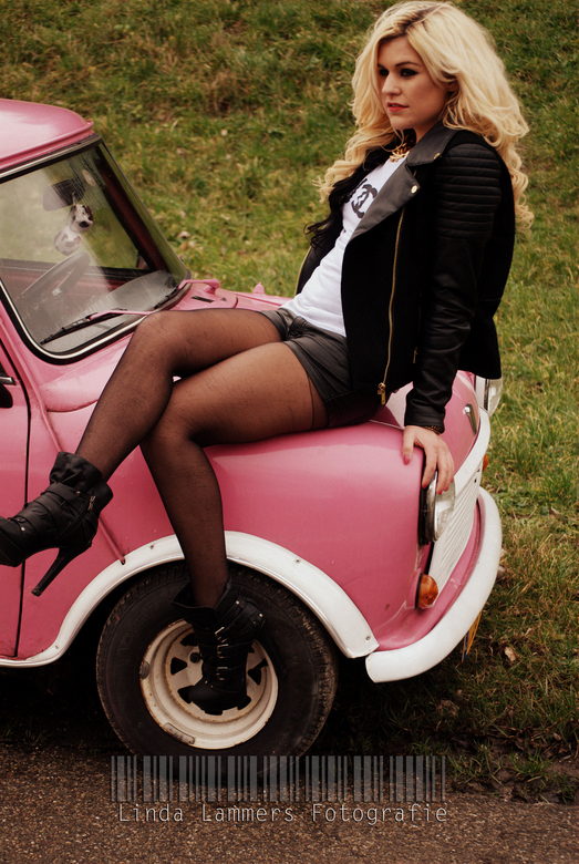 Jennifer - Girl and her car