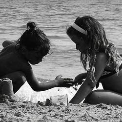 Zandkasteeltje bouwen