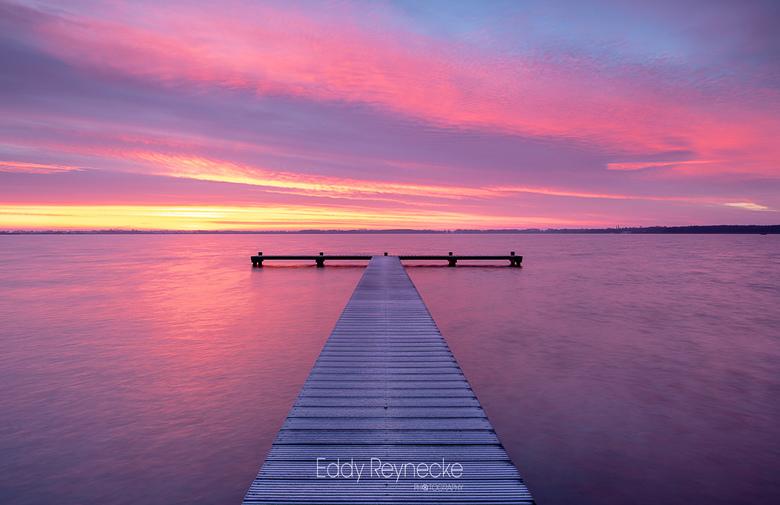 Colorful sunrise - Prachtige kleuren tijdens de zonsopkomst bij het Zuidlaardermeer vanmorgen.