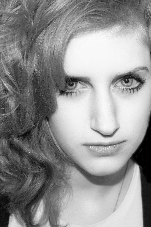 Dol niet met mij - Model: Evelien Gabriëlle