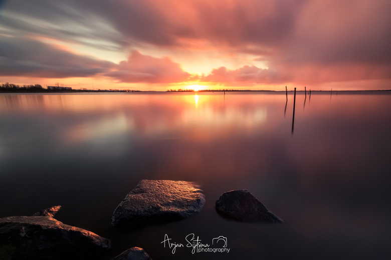Regenachtige zonsopkomst  -