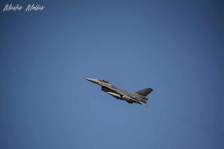 Take-off - F16 tak-off bij Leeuwarden